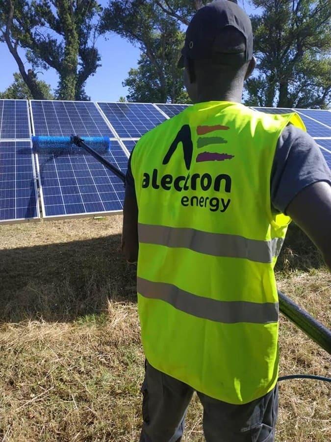 équipe installation panneaux solaire