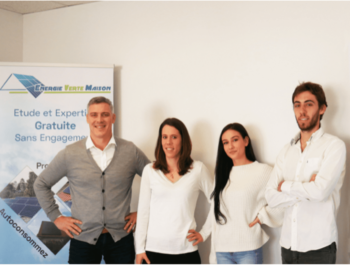 equipe experts solaires energie verte maison