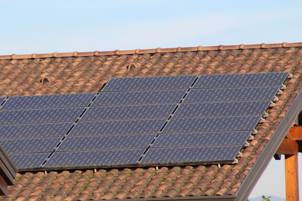 Installation panneaux solaires Hestia Energies