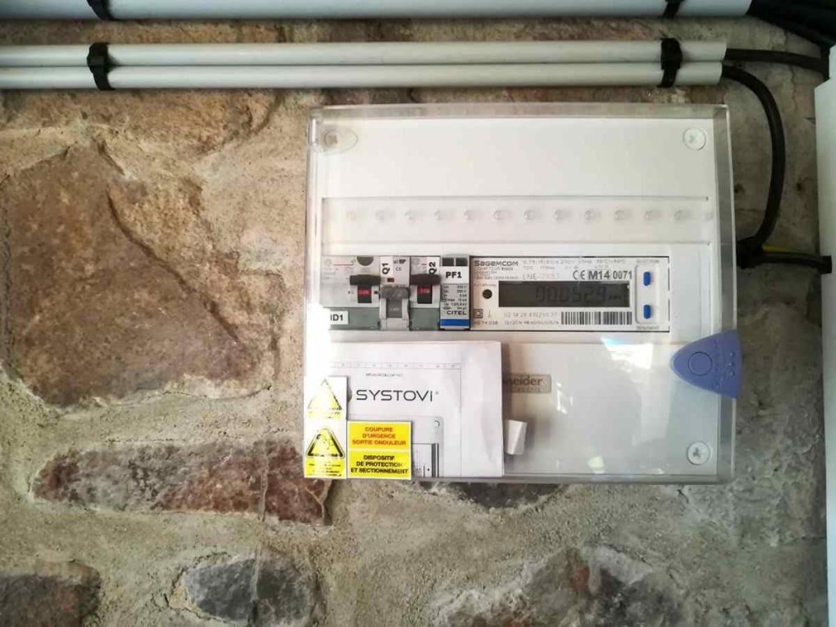 Installation solaire onduleur Électricité générale Saby