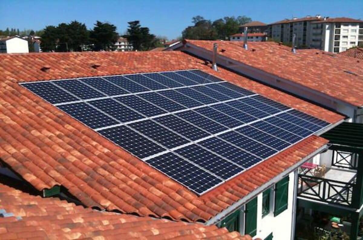 Installation panneaux solaires Agéo Azur Géothermie