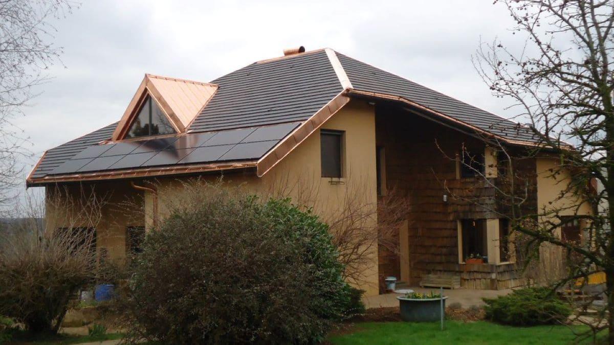 Installation panneaux solaires Jura Energie Solaire