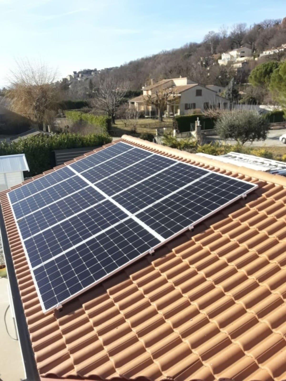 Installation panneaux solaires Termik