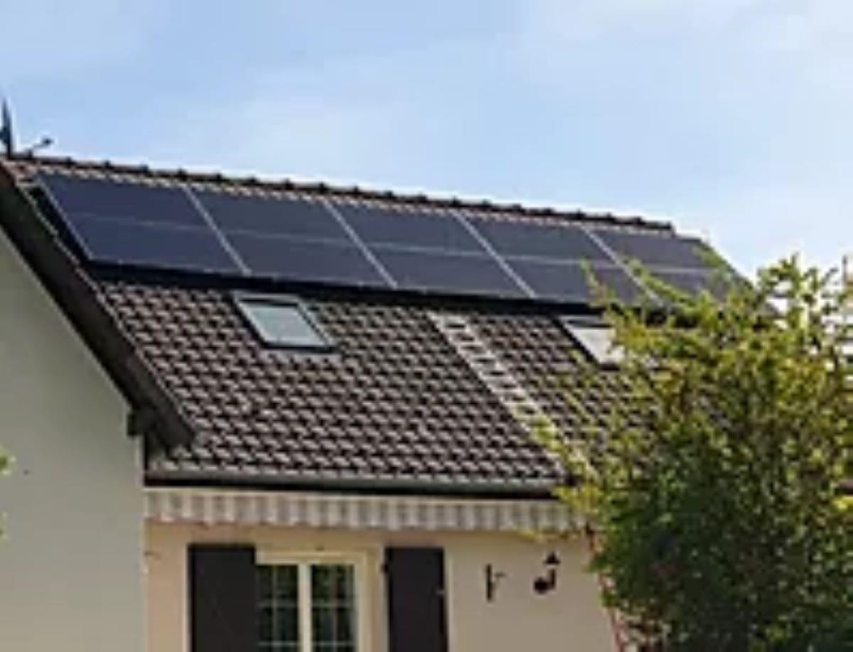 Installation panneaux solaires Triphas Eurl