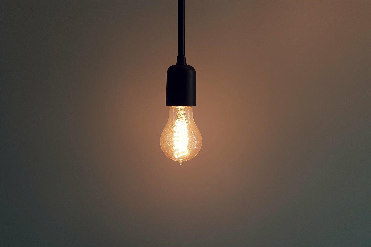 ampoule électrique consommation mensuelle
