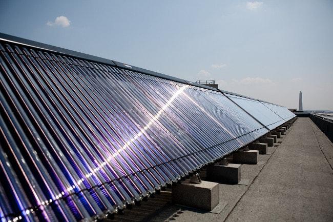 Découvrez le fonctionnement d'un panneau solaire thermique !