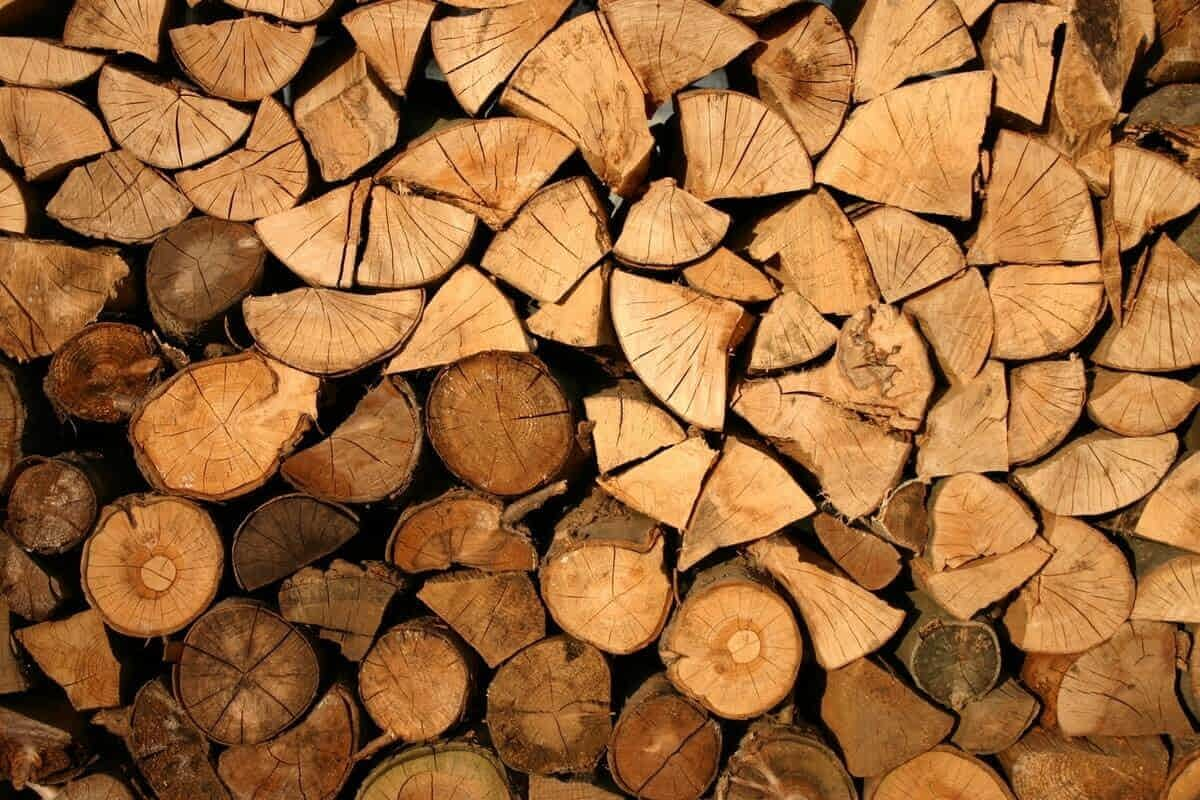 Stockage de votre bois de chauffage en buches