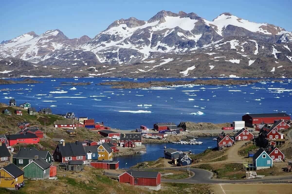 Le président américain Donal Trump souhaite acheter le Groenland. Détails d'un imbroglio diplomatique sur un territoire au cœur des questions environnementales.