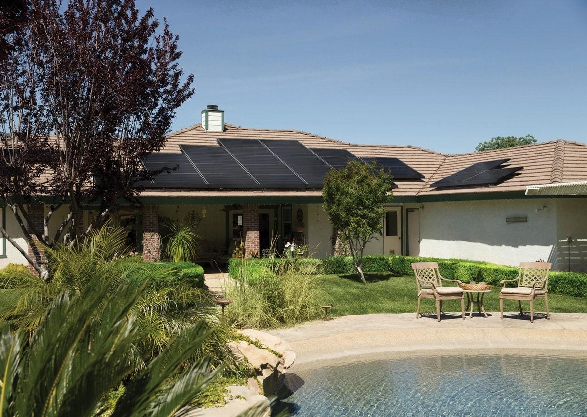 L'installation de panneaux solaires sur votre toit doit-elle faire l'objet d'une demande auprès de votre propriétaire ? Réponse ici !