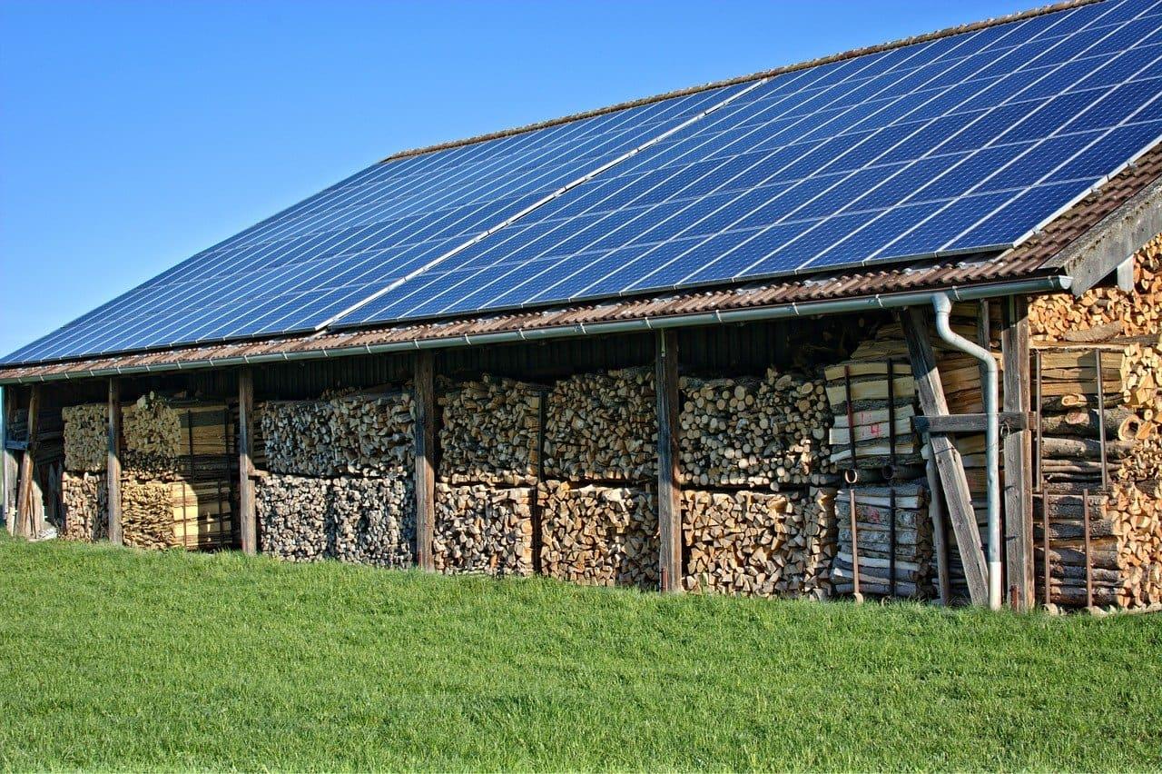 Combien de panneaux solaires pour une maison de 10m10